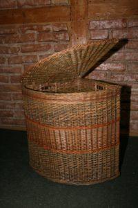 pīti-kārklu-zaru-grozi-latviešu-tradīcijas